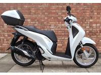 Honda SH125, As new, only 850 miles! (17REG)