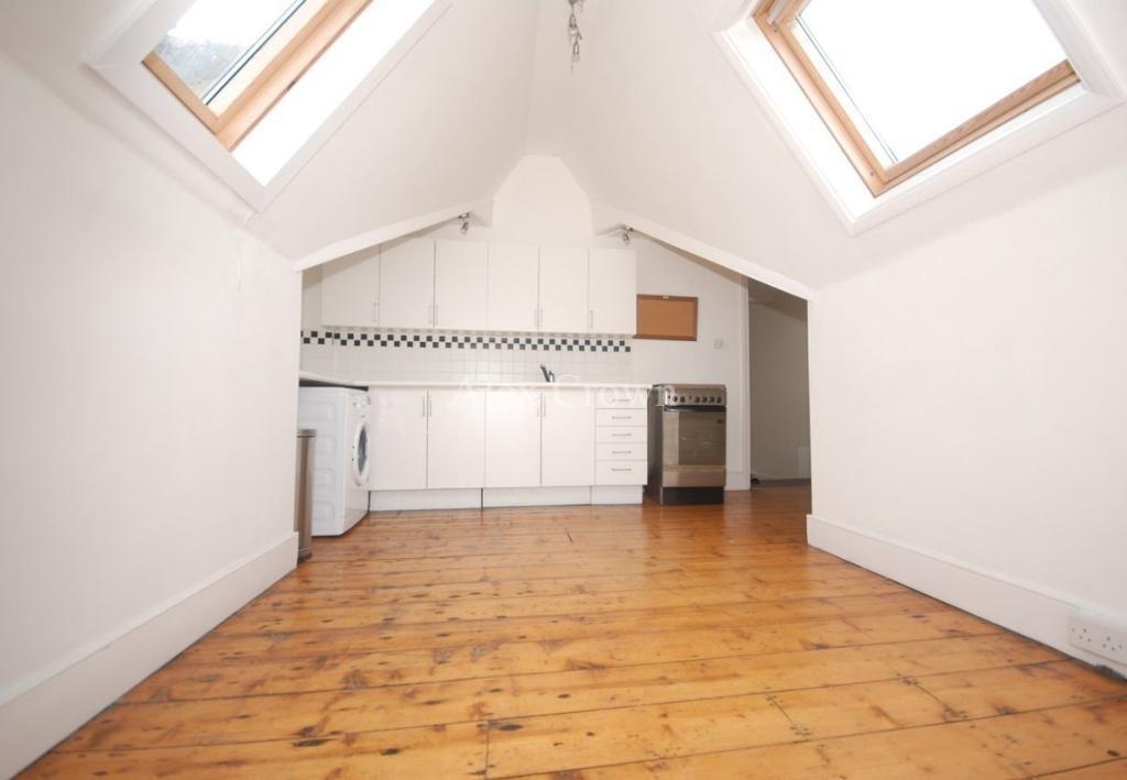 2 bedroom flat in Elder Avenue, Crouch End
