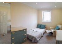 Luxury double (Room 2)- double or single bed at your preference -Napier Uni, direct city centre, HWU
