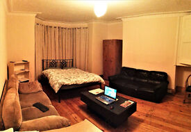 Very large single bed flat ten minutes walk up to University