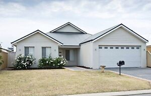 Room for rent in Southern River with secured garage parking Southern River Gosnells Area Preview