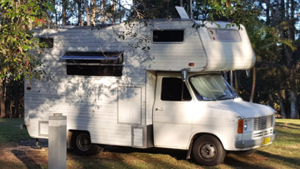 OLD STYLE TRANSIT MOTORHOME ... SELL AS IS