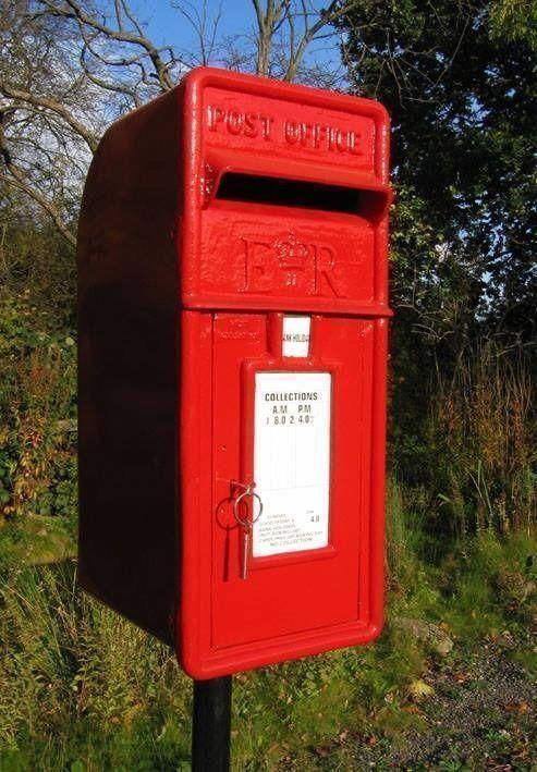 CAST IRON PILLAR OR WALL MOUNTED POST BOXES ER & IRISH BOXES