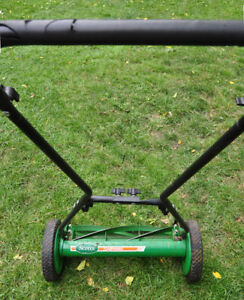 Scott's 18-inch Supreme Push Lawn Mower