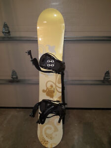 REDUCED - Snowboard - Morrow Dream 145 with K2 bindings - $175