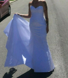 Robe de mariée Grandeur 6 avec altération 2 pouces a la taille (