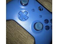 XBOX BLUE CONTROLLER