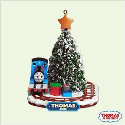 THOMAS THE TANK & FRIENDS-2005 HALLMARK ORNAMENT CHRISTMAS TRAIN TRACKS **NIB**
