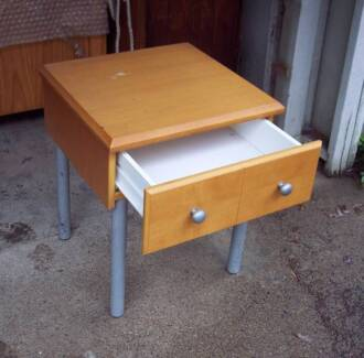 SMALL TABLE / BEDSIDE / CHAIRSIDE #1