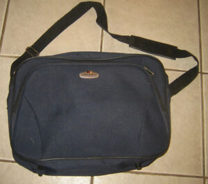 Carry Bag for a Laptop-in Kelowna