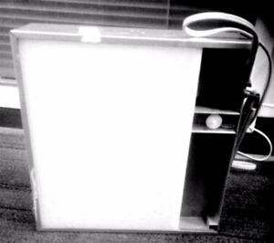 BOITE LUMINANTE / LIGHT BOX