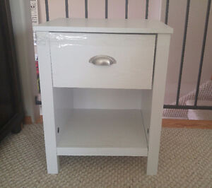 White end table with drawer