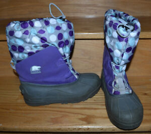 SOREL winter Boots, Youth , Purple size 6, used