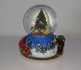 Musical and moving train snowglobe decoration