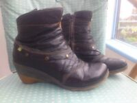 'El Naturalista' leather boots (size 4)