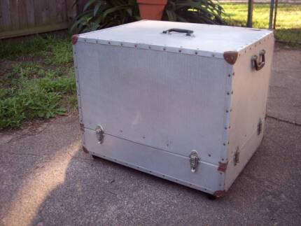 COOL TABLE / STORAGE BOX MADE FROM A MUSICIAN'S GIG BOX!
