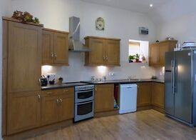 Complete oak style kitchen including all appliances and Samsung American style Fridge freezer