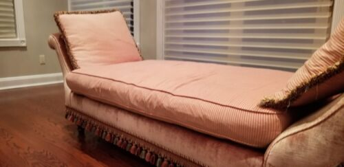 Stoneleigh Ltd. Antique Pink Daybed Backless Couch Chaise with Wooden Legs