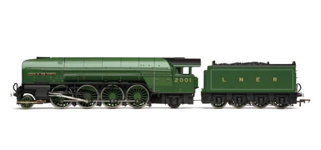 Hornby RailRoad LNER 2-8-2 'Cock O' The North' P2 Class R3171 - Free Shipping