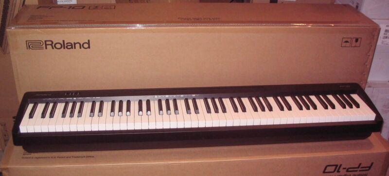 MINT ROLAND FP-10 DIGITAL PIANO 88-Key Keyboard w/Bluetooth