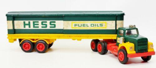 1976 Hess Barrel Toy Box Truck Amerada Hong Kong With 4 Barrels USED
