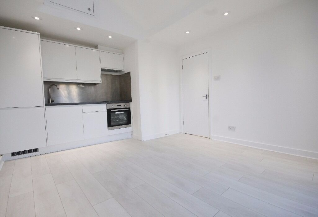 Newly Refurbished, Wood Floors, Bright, Spacious, Terrace, Convenient Location, Modern