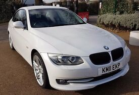 "BMW 3200 SE White with black leather interior, professional sat nav, i drive and 19"" alloys"