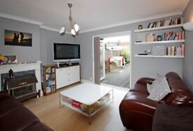 Spacious End of Terrace Family Home, Two Double Bedrooms , CR4