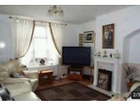 Large 5/6 bedroom House. Close to station, large rear/side garden and large driveway
