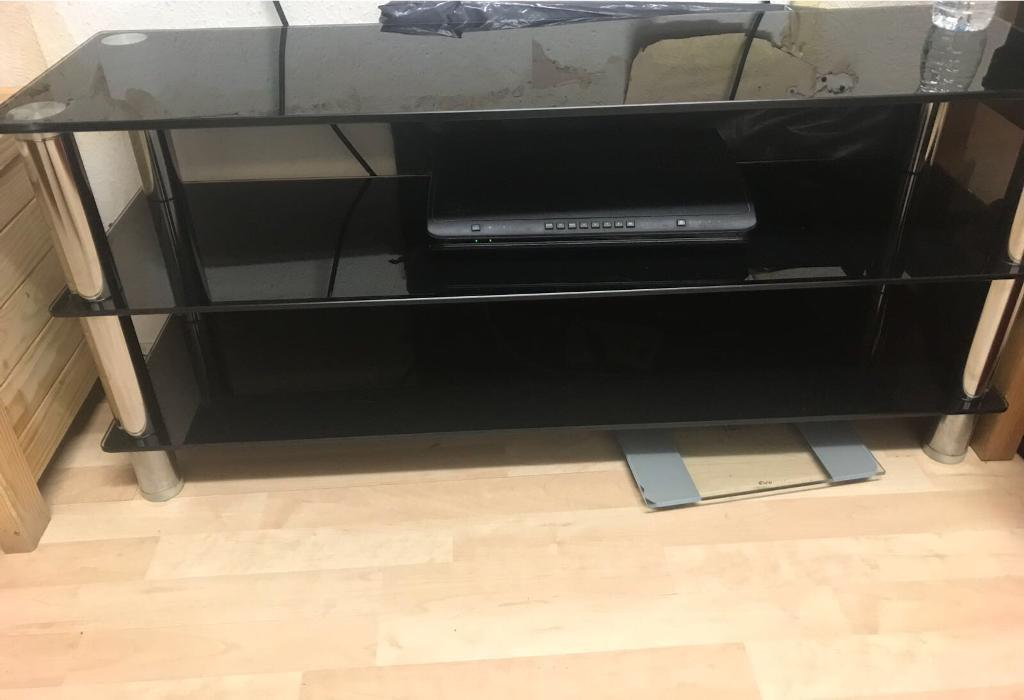 Tv stand high quality glass gloss effect REDUCED