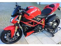 2013 Ducati 848 Streetfighter - Only 2300 miles
