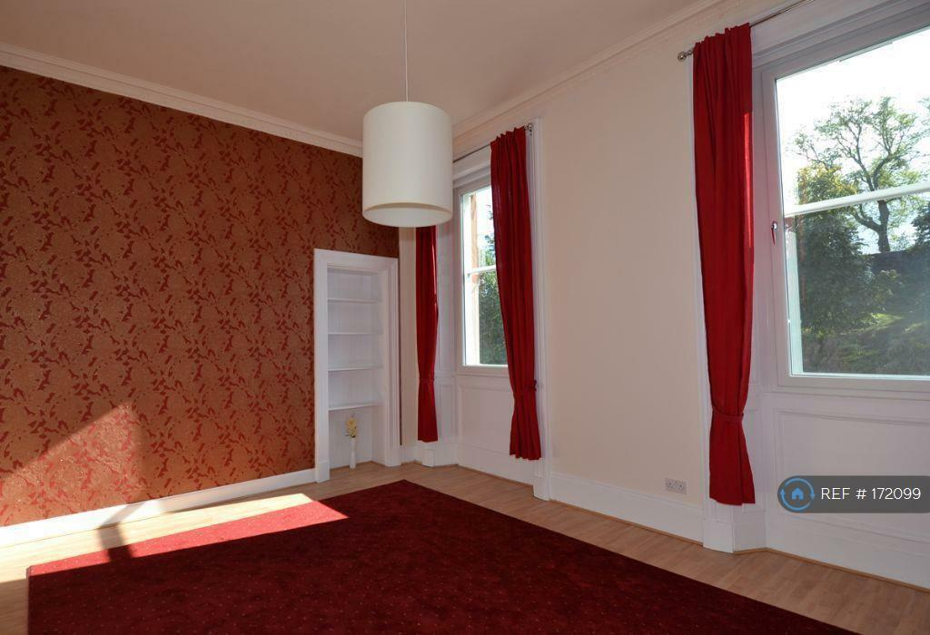 2 bedroom flat in Cathcart Street, Greenock, PA15 (2 bed)