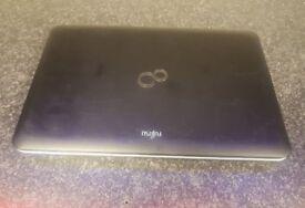 Fujitsu AH512 Lifebook 500GB HDD 4.00GB RAM