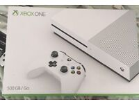 Xbox one boxed with built in Fifa 2017 only 3 or 4 months old with other games