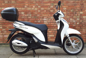 Honda SH Mode 125 (64 REG), condition with 400 miles