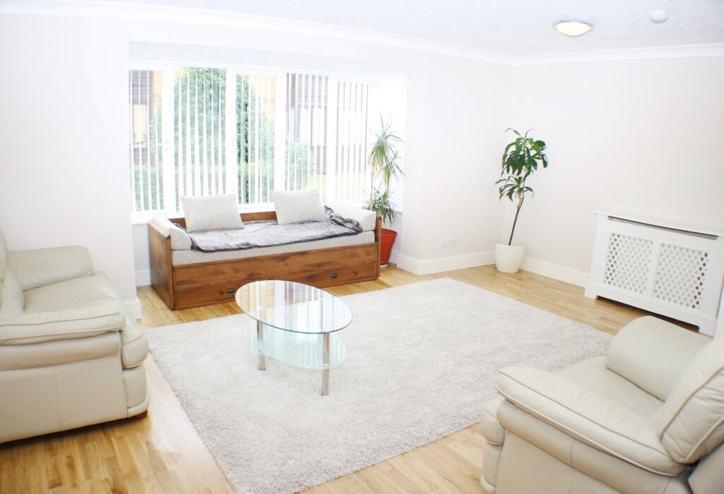 Lovely Two Double Bed Flat Available In Camberwell