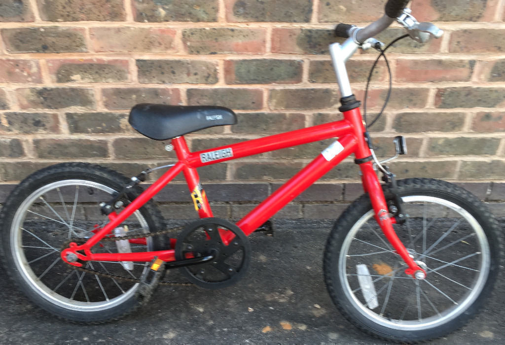 Raleigh BMX mtb Kids children boys girls Bike (16 inch Wheel 5 6 7 years old boys) bicyclein Kennington, LondonGumtree - Raleigh BMX mtb Kids children boys girls Bike (16 inch Wheel 5 6 7 years old boys) bicycle Good condition and working order Will suit to somebody 112 125cm tall (5 6 7 years old boys) Grab a bargain. Key features include Alloy V brakes & levers Alloy...