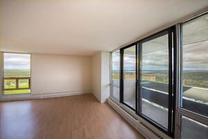 MASSIVE  APARTMENTS WITH WOOD FLOORS AND BEAUTIFUL VIEWS