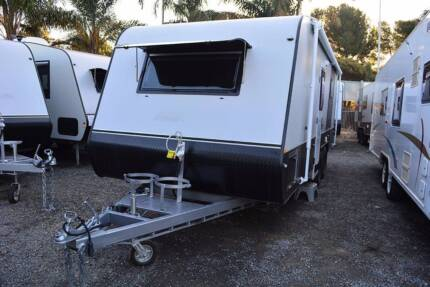 GoldStar RV Liberty Tourer 2200 849 batteries/solar panels