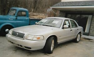 *******2009 Mercury Grand Marquis Sedan*******