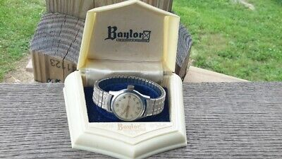 Vintage Baylor Swiss 17 Jewels Automatic Men's Military style watch. Box