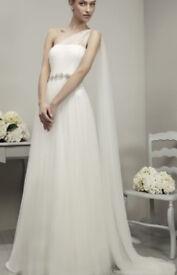 One shoulder wedding dress designer Adriana Alier Gema White tulle with belt embroidery Size 10