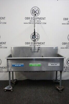 Three Compartment Stainless Steel Commercial Sink With Rinse Faucet