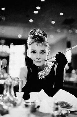 AUDREY HEPBURN - BREAKFAST AT TIFFANY'S - MOVIE POSTER 24x36 - CLASSIC 25241 (Audrey Hepburn Breakfast)