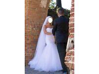 Cheap Beautiful Wedding Dress Trumpet/Mermaid+ FREE BONUS 3 meters veil. Excellent condition. Size 6