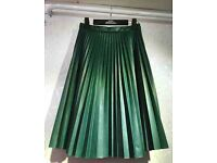 NEW GREEN FAUX LEATHER PLEATED SKIRT
