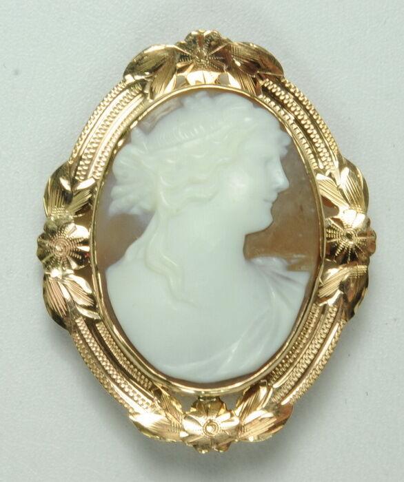 Antique 14K Rose Gold Victorian Woman Cameo Pendant Estate Brooch