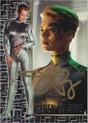 TC Star Trek VOYAGER PROFILES SEVEN OF NINE EMBOSSED CARD # 3 mit Autogramm !!!
