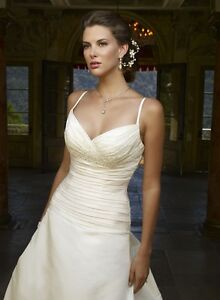 New wedding dress Casablanca size 10