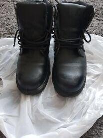 Men's steel toe cap boots - size 10